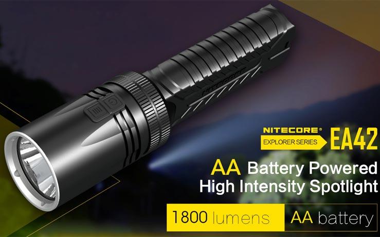 Nitecore - EA42 1800 lumens con batterie AA